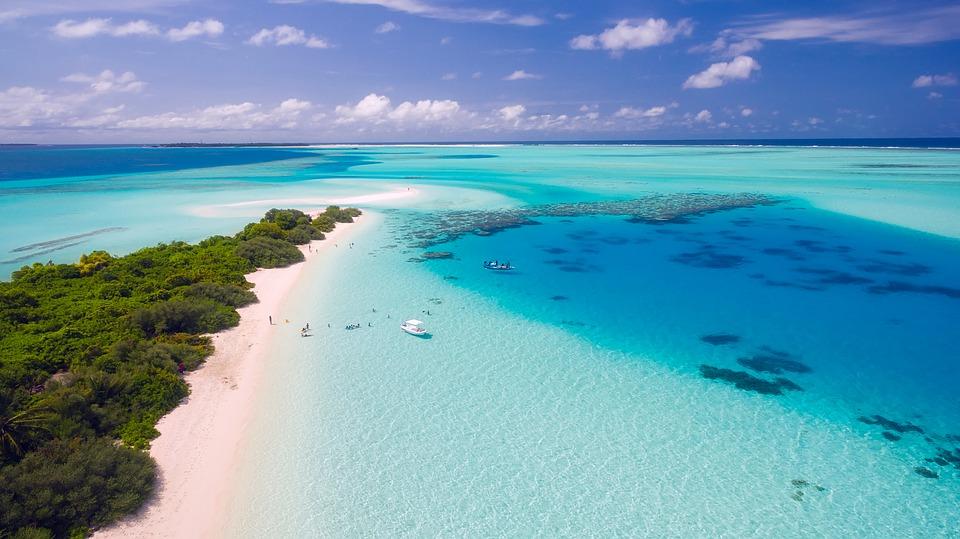 Quoi prendre dans sa valise quand on part aux Maldives